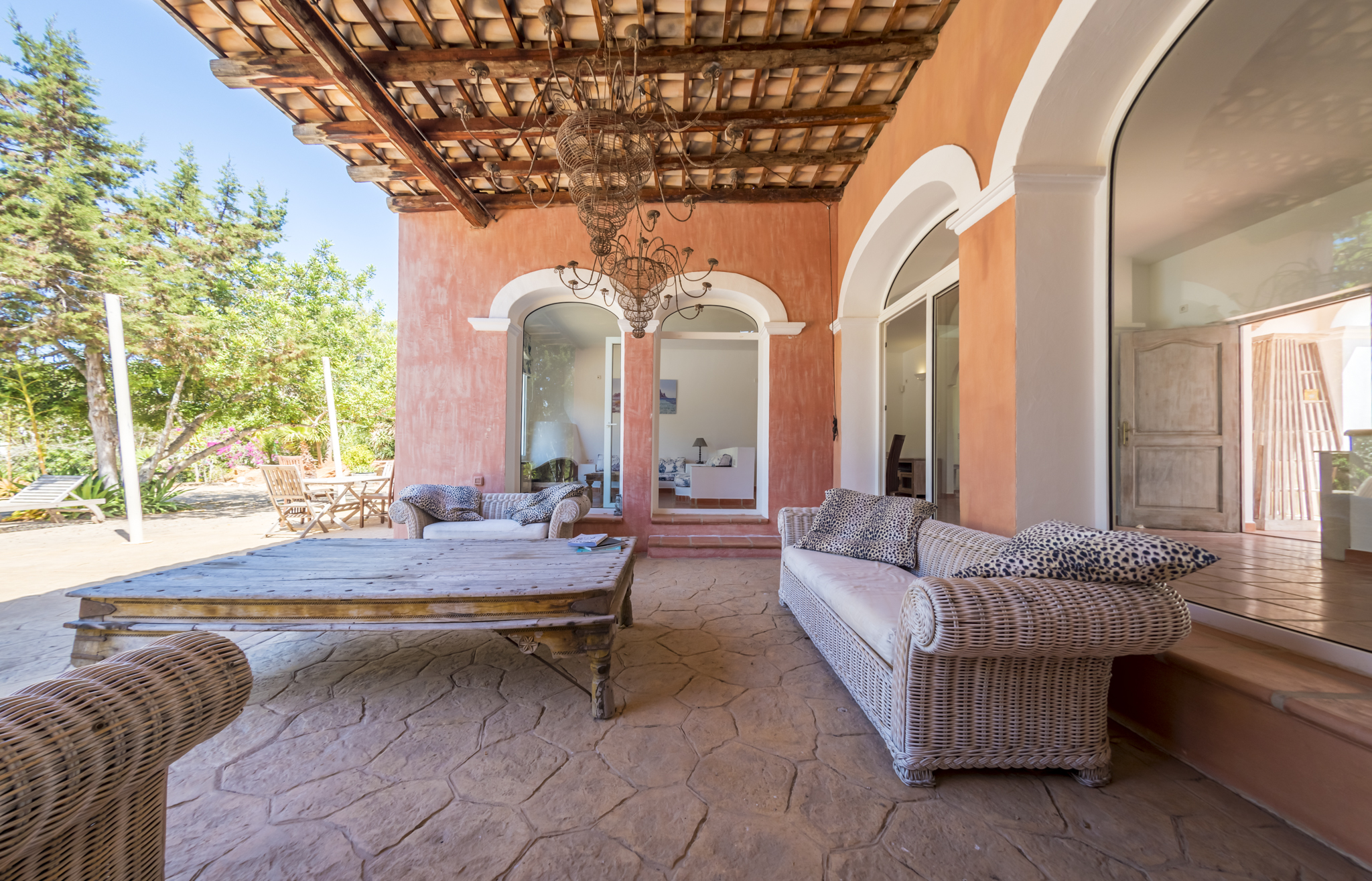 -Exclusive Villa in Porroig-